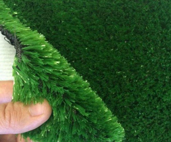 Фото  1 Штучна трава товщина 20мм висота ворсу 18мм ширина 1,5 м, 2м, 2,5м, 4м 2136178