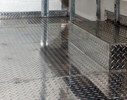 Лист алюмінієвий рифленый 2,0 мм мм АД0Н2 , 1050 Н24 1250х2500мм . Виробництво Турция