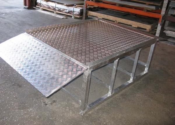 Лист алюмінієвий рифленый 3,0 мм мм АД0Н2 , 1050 Н24 1500х4000мм . Виробництво Турция