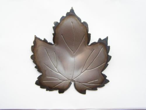 листы виноградные d: 50-170 мм