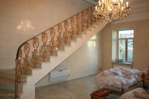 литье из бронзы, сегментные лестницы