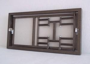 Люки-невидимки ревизионные СДВИЖНЫЕ для труднодоступных мест под плитку с гладкой или полуматовой поверхностью.