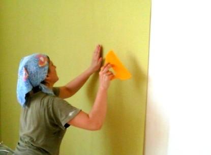 Малярные работы Киев Поклеить обои, беспесчанка, покраска стен