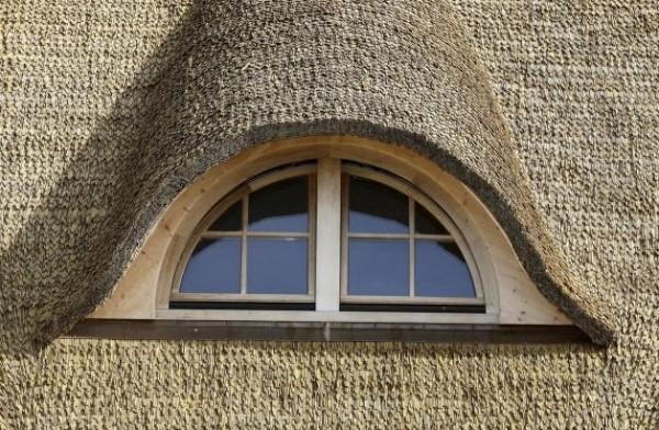 мансардные окна-капельки для крыш