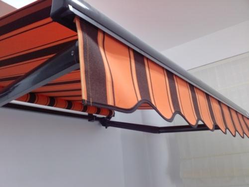 МАРКИЗЫ - это тканевые тенты, которые используют, как систему защиты от солнца и дождя.