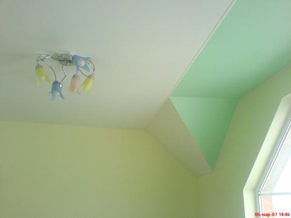 Матовые натяжные потолки в разных плоскостях