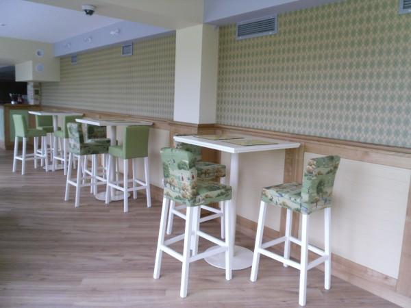 Мебель для ресторанов, кафе, баров из натурального дерева по индивидуальным заказам любой сложности.