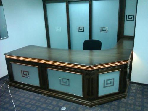 Мебель из масива для офисов. Ресепшен.