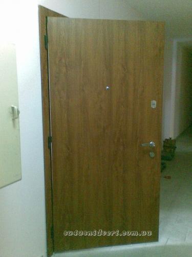 Металлические двери в Термопленке. Собственное производство под индивидуальный заказ