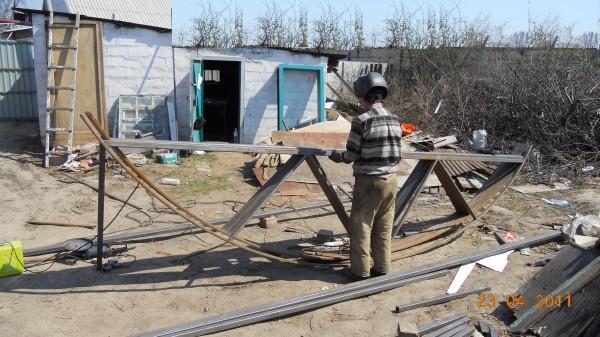 Металлические фермы, гибка , вальцовка металлических труб. Сварочные услуги в Днепропетровске