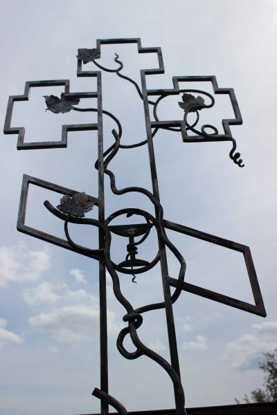 Металлические кованые кресты