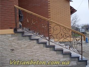 Металлические лестницы и перила с ковкой