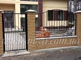 Металлические заборы, ворота, двери; Металлические заборы обладают красивым внешним видом и высокой прочностью.