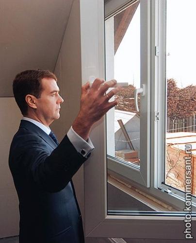 Металлопластиковые окна, двери, балконы из профиля REHAU 3-х кам. (Euro 60) и 5-кам. (Euro 70). Фурнитура GU, ROTO.