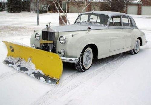 Мы оперативно, качественно, профессионально уберем снег с любой территории
