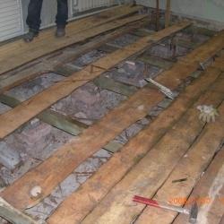 Ми зробимо конструкцію підлог з звуко-, тепло-гідроізоляційн их та ін. шарів