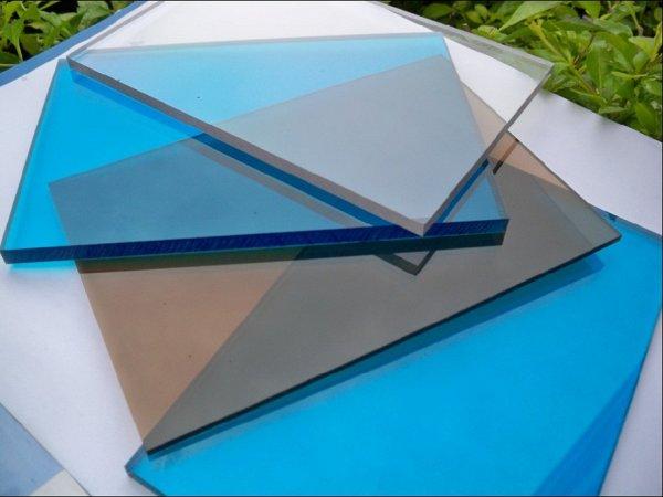 Монолитный поликарбонат SOTON (Сотон) бронза (цветной) 2мм