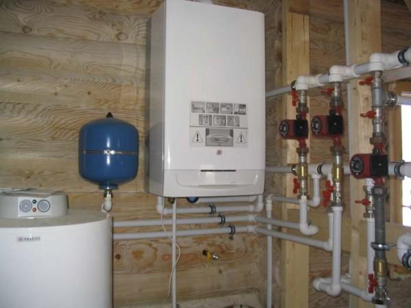 Монтаж горячего и холодного водоснабжения.