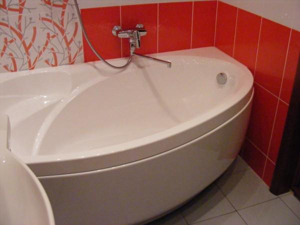 Монтаж ванной.