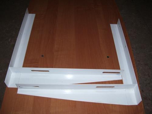 Монтажные кронштейны для крепления наружного блока кондиционера. Кронштейн L = 450 мм. Изготовлены из стали 2 мм;