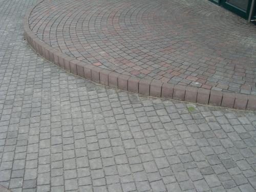 Мощение тротуарной плитки. Установка поребрика. Гарантия