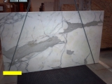 Мрамор Calacatta(Италия). Подоконники из мрамора. Столешницы из мрамора. Лестницы из мрамора. Полы из мрамора.