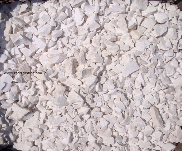 Мраморная крошка, отсев, песок, щебень в ландшафтный дизайн, альпийская горка.