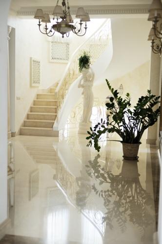 Мраморная лестница, Лестницы Мрамор цена Киев