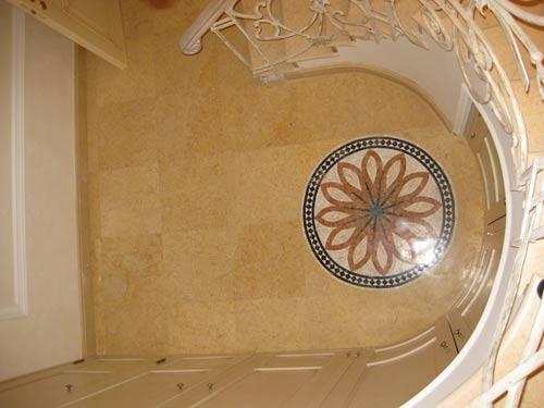 Мраморные полы:мраморная плитка, мраморная розетка, мраморная мозаика, мраморное панно, мраморный фриз. Укладка.