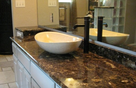 Мраморные столешницы и барные стойки, порталы каминов из гранита и мрамора, облицовка ванных комнат мрамором