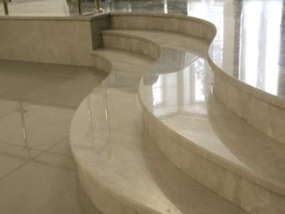 Мраморные ступени. Мраморные подоконники- прямые, радиальные, эркерные. Замеры. Изготовление и монтаж.