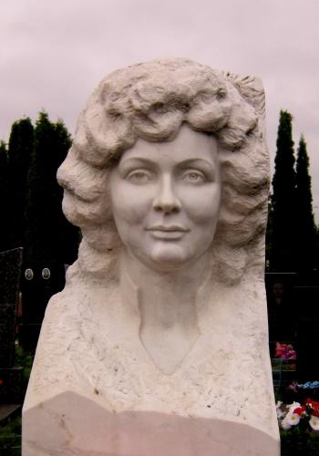 надгробия скульптура