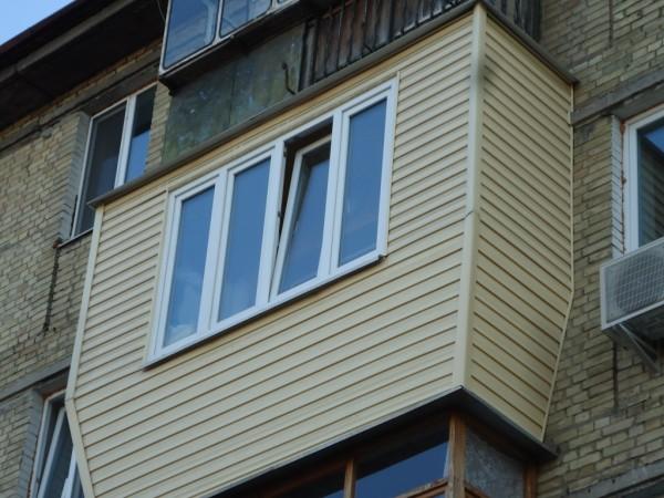 Наружная обшивка балкона сайдингом цена 350 грн. заказать в .