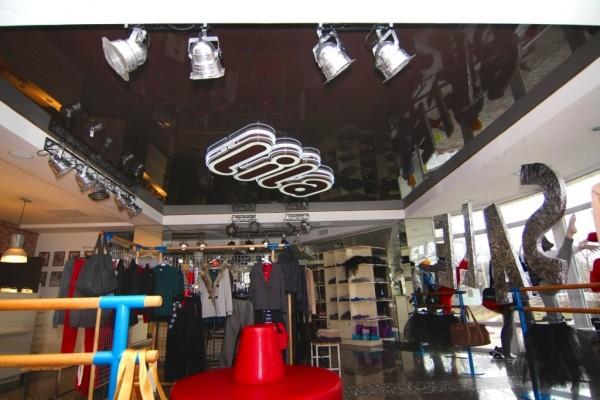 Натяжные потолки в бутике