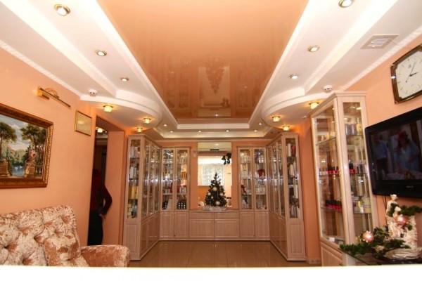 Натяжные потолки в салоне красоты