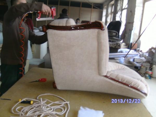 Обивка мебели, огромный выбор тканей.