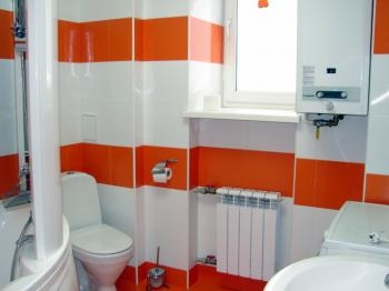 Облицовка керамической плиткой. профессионально предоставляем услуги по комплексному ремонту ванной комнаты под ключ.