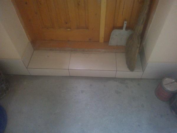 Облицювання сходів плиткою (сходинка пряма)м. п