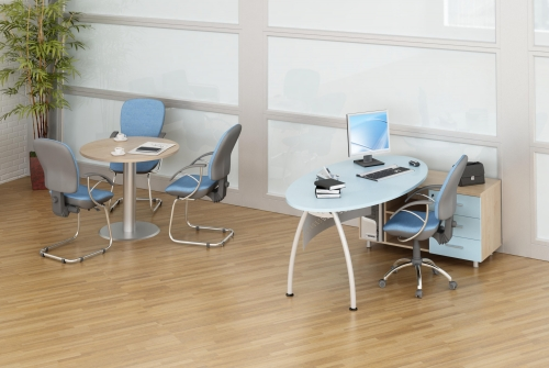 """Офисная мебель """"Пилот"""", в комплект входит: стол с тумбой, стол круглый."""