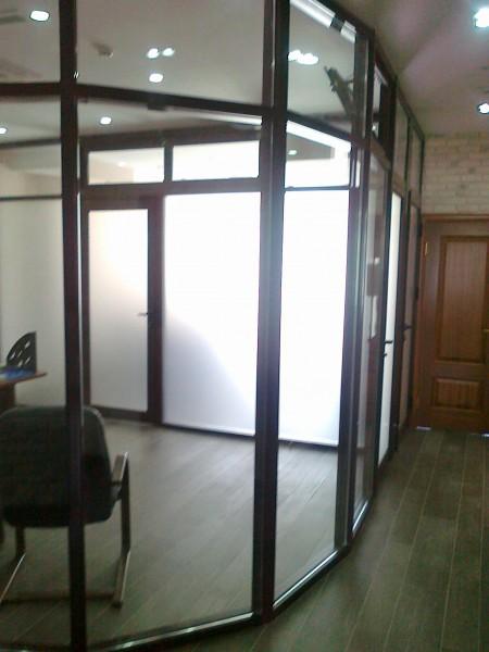 Офисные перегородки (алюминиевые или металлопластиковые)
