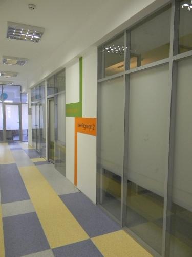 Офисные перегородки алюминиевые со стеклянным наполнением