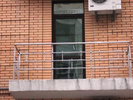 Огорожа на балкон з нержавіючої сталі