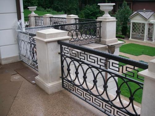 Ограждения кованые балконов , террас.