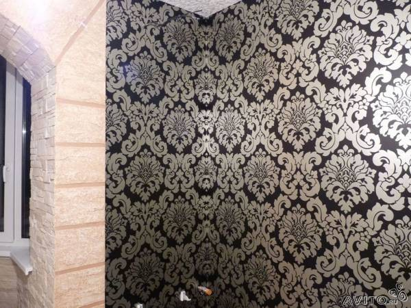 Оклейка стен виниловыми обоями