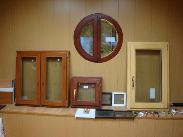 Окна деревянные евробрус, откидная фурнитура, стеклопакеты, защитная пропитка. Сосна. Разная цветовая гамма