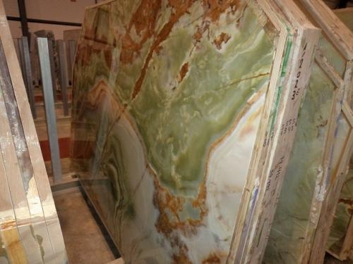 Оникс Onyx Verde(Италия)Панно из оникса. Столешница из оникса. Подоконники из оникса.