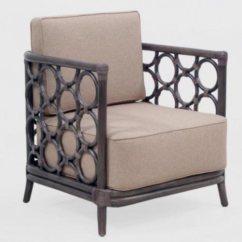 Оригинальное ротанговое кресло с подушкой. Может быть дополнено кофейным столиком. Торг!