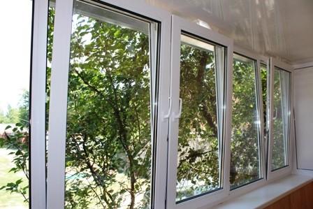 Остекление балкона на Дарнице