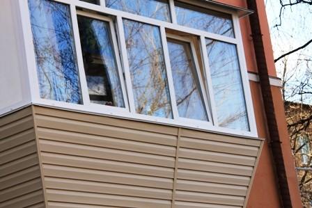 Остекление балкона на Позняках
