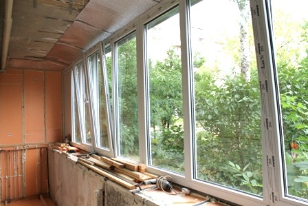 Остекление балкона на Теремках